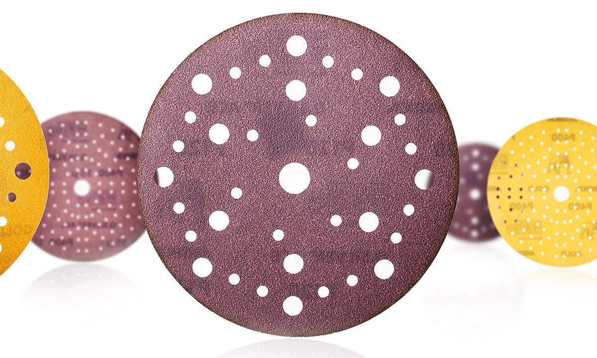 Punaruskeita Mirkan hiomapyöröjä, joissa reikiä pölyn poistumista varten.